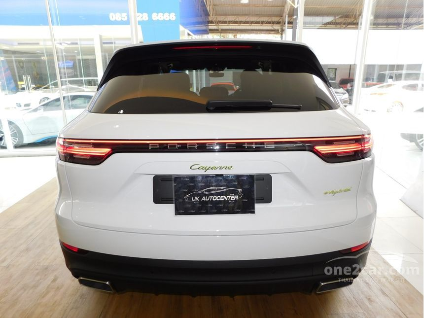 2019 Porsche Cayenne 3.0 E-Hybrid SUV AT