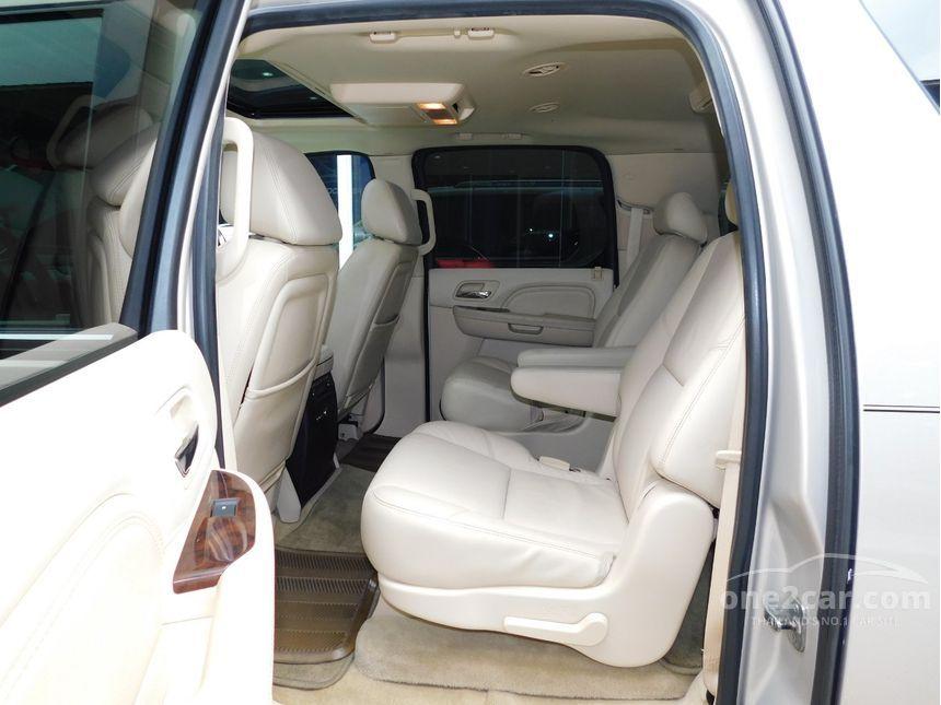 2011 Cadillac Escalade 6.2 (ปี 06-15) V8 Wagon AT